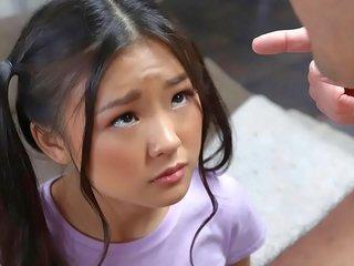 Asiatisch Mädchen Masturbieren Zierlich Zierliche mädchen